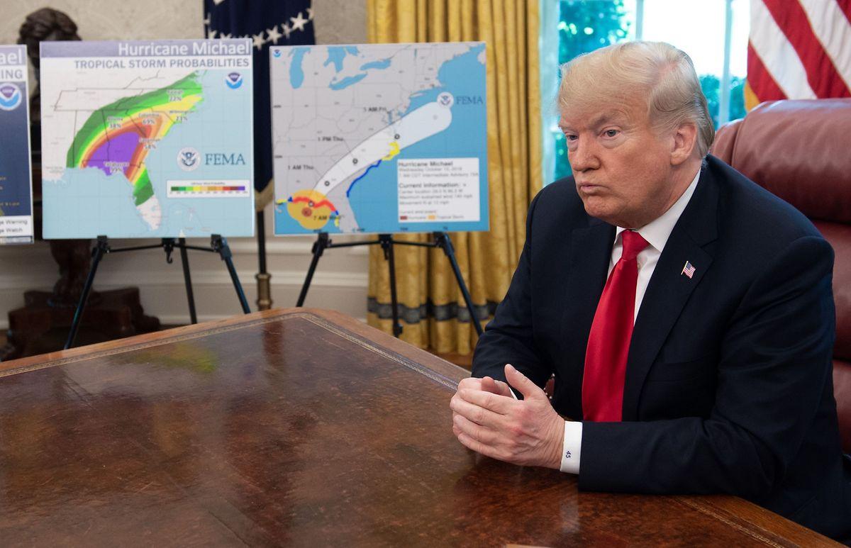 Trump kündigte an, das Katastrophengebiet voraussichtlich am Sonntag oder Montag zu besuchen.