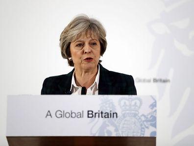 """Die britische Premierministerin Theresa May will mit Großbritannien nicht """"halb drin, halb draußen"""" sein."""