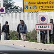 In Calais sammeln sich seit Jahren Menschen, die illegal nach Großbritannien gelangen wollen.
