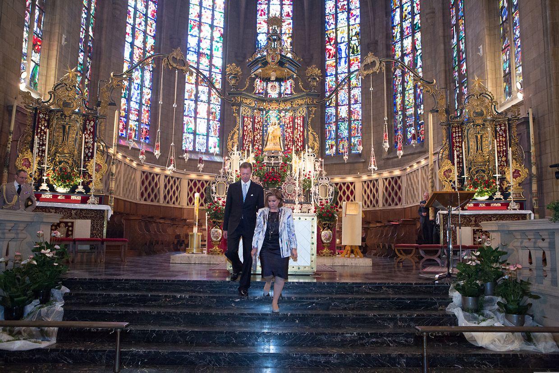 Octave Messe pontificale avec renouvellement de la consecration a Notre-Dame 25.05.14 Joaquim Valente