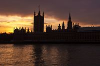 (FILES) In this file photo taken on January 04, 2019 The sun sets behind The Palace of Westminster, home of the British Houses of Parliament in central London on January 4, 2019. - Britain's battle over Brexit resumes on January 7, 2019 when parliament returns from its Christmas break to debate and -- most likely -- defeat Prime Minister Theresa May's unpopular EU divorce deal. (Photo by NIKLAS HALLE'N / AFP)
