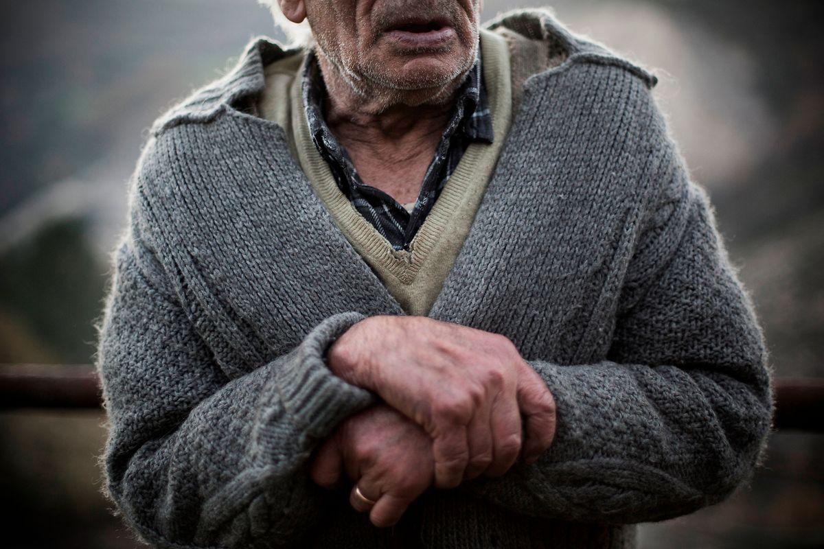 O regresso dos emigrantes é a alegria dos que se sentem esquecidos nas aldeias do interior de Portugal.