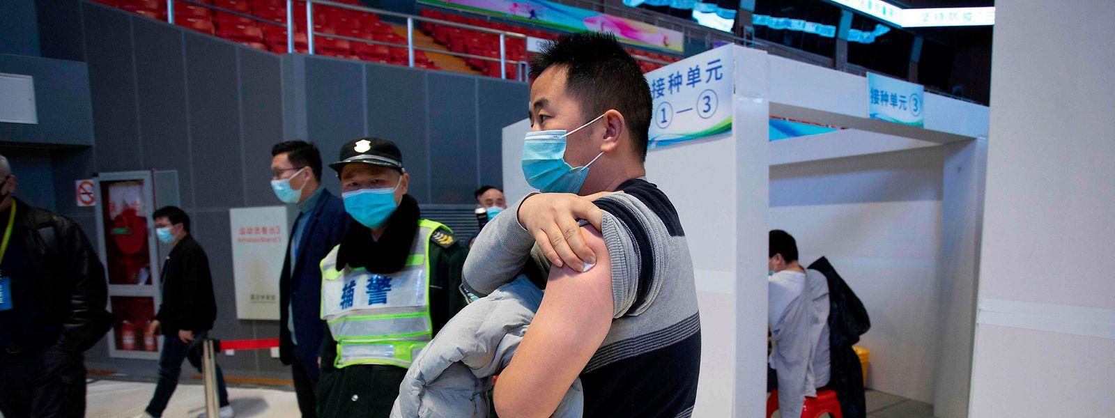 Rund 23 Millionen Impfstoffdosen wurden bisher in China verabreicht. Damit hinkt die Volksrepublik ihren hochgesteckten Zielen weit hinterher.