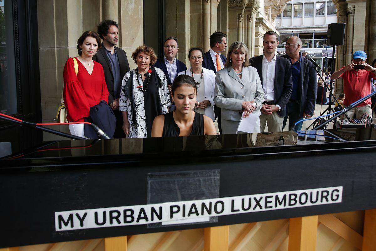 La jeune pianiste Zala Kravos a montré son grand talent lors de l'ouverture.