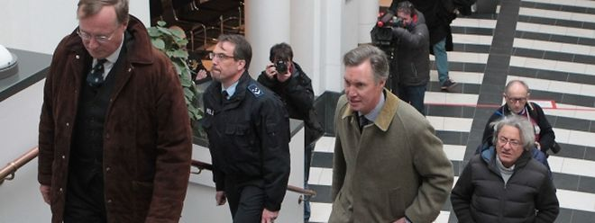 Die Prinzen Jean und Guillaume auf dem Weg in den Gerichtssaal.