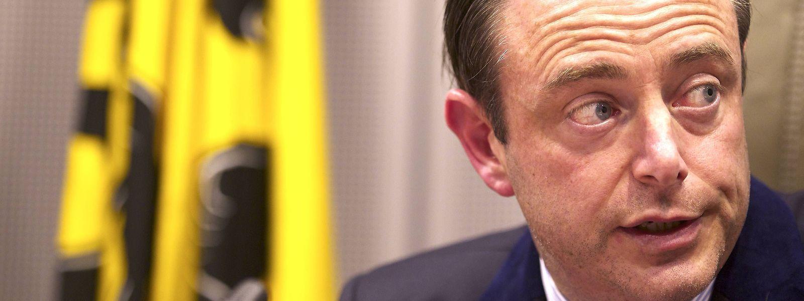 Bart De Wever a ouvert la porte à une possible alliance avec les socialistes. Mais le chemin est encore long.