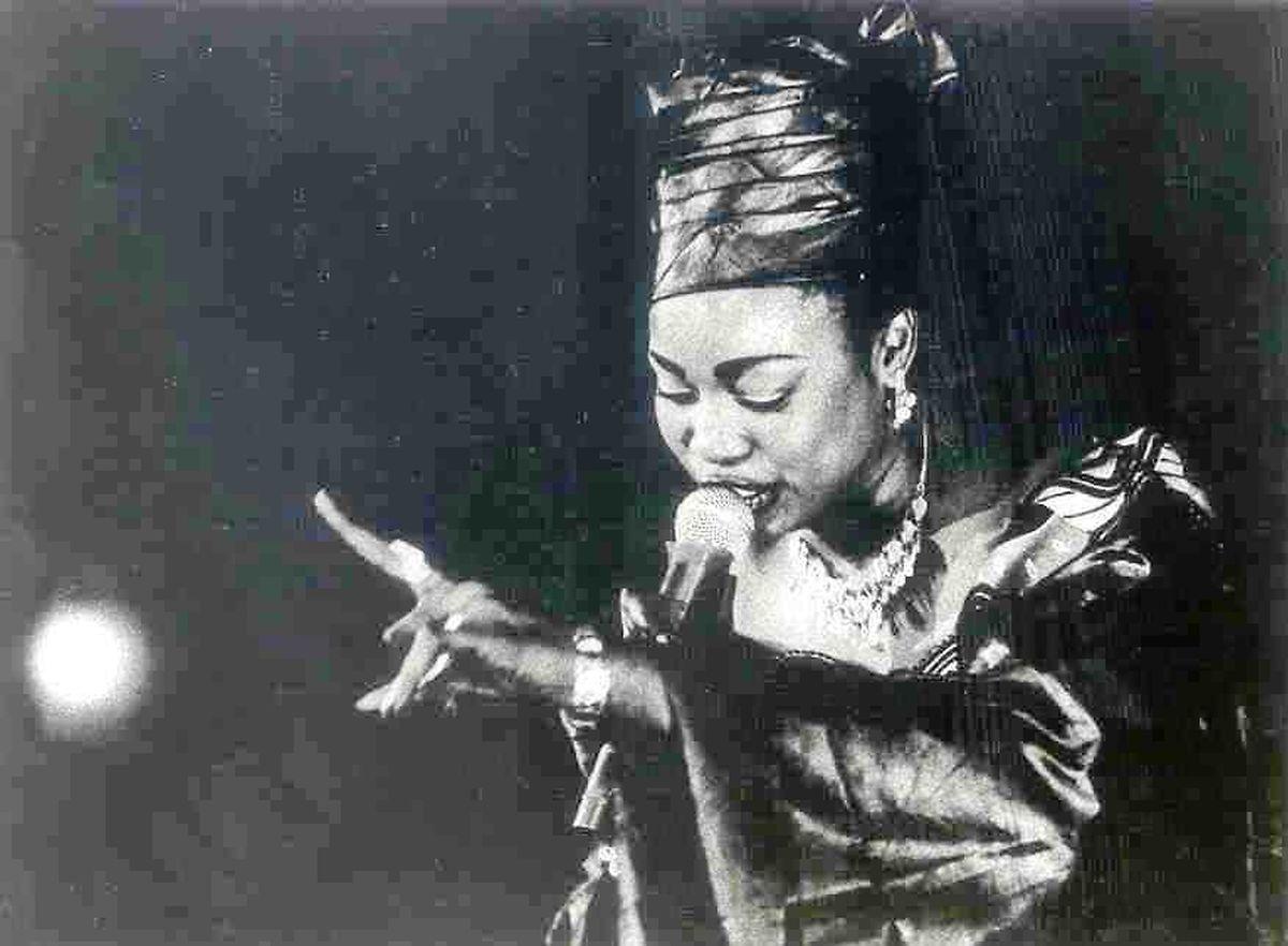 Oumou Sangaré découverte en 1995.