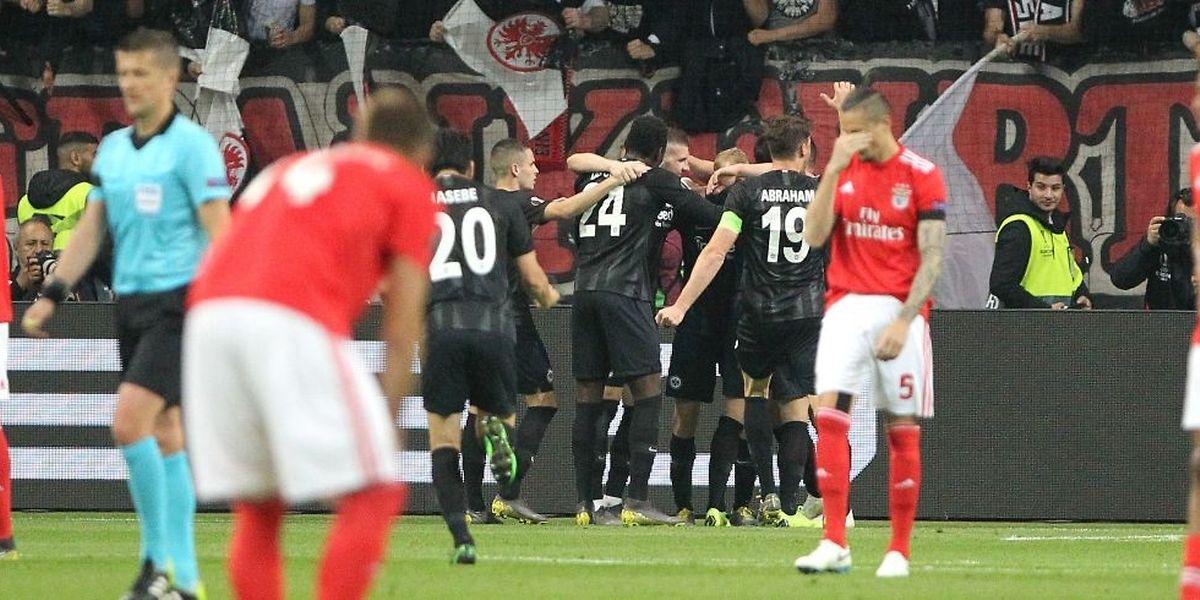 Malgré une fin de match enlevée, Benfica a été battu 0-2 à Francfort et quitte la Ligue Europa.