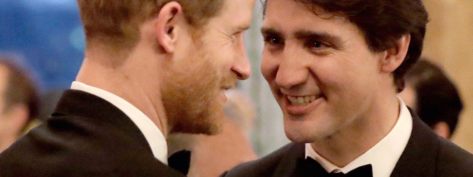 Für Justin Trudeau (r., mit Prinz Harry) sind noch einige Fragen offen, was den Umzug der Royals nach Kanada betrifft.