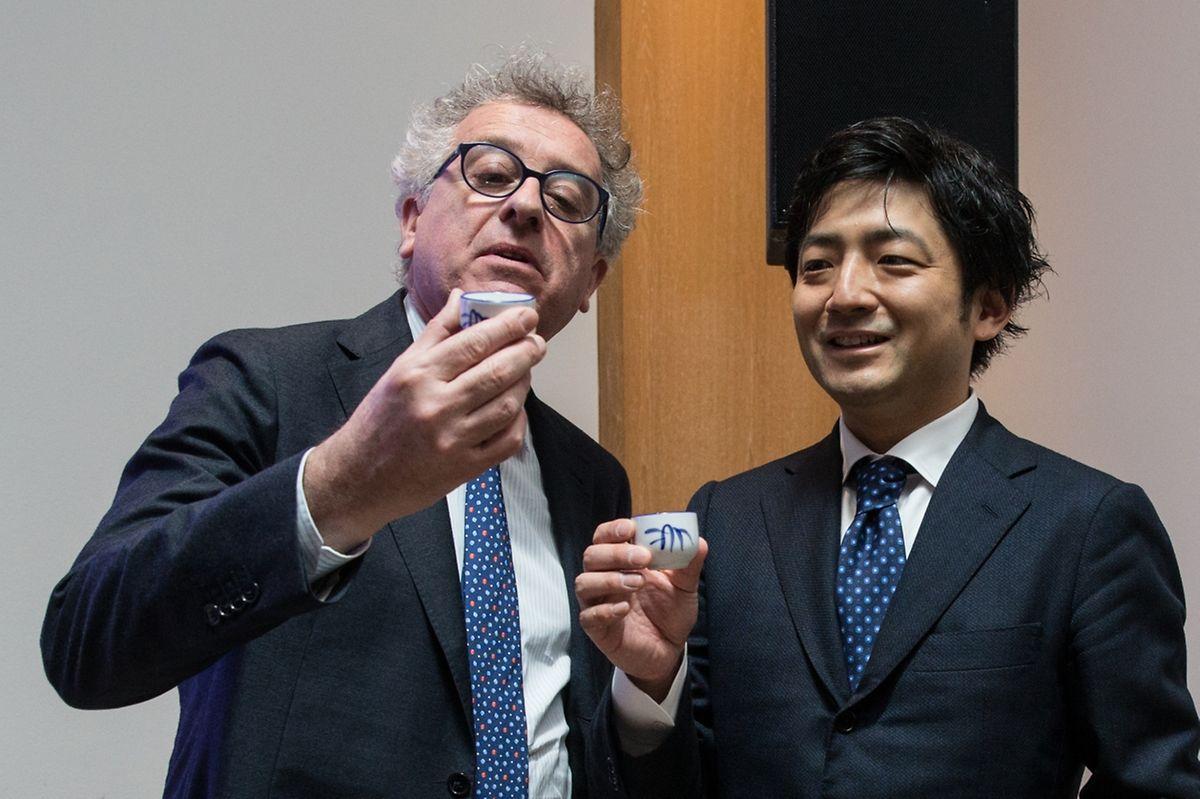 Pierre Gramegna au côté de Yuzo Kano-San, fondateur de la plateforme BitFlyer.