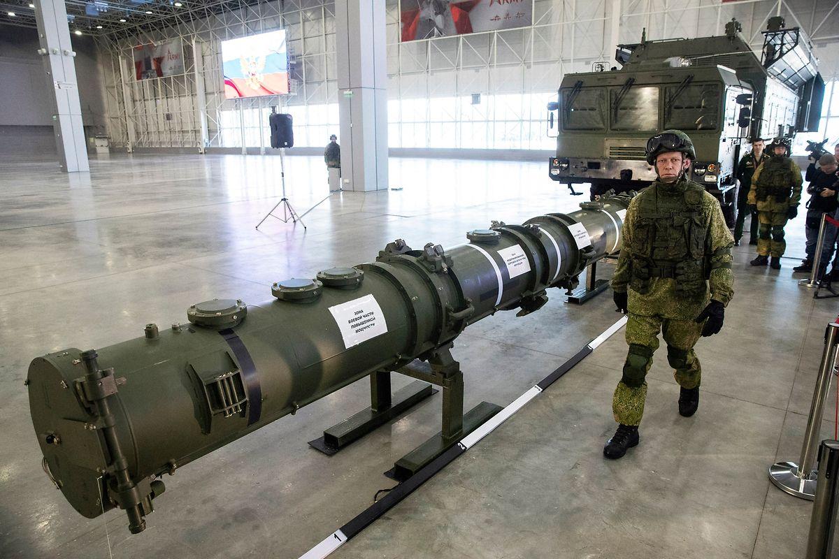 Russland lehnt es ab, den umstrittenen Marschflugkörper 9M729 zu verschrotten. Laut den USA kann 9M729 Raketen bis zu 2600 Kilometer weit transportieren – Russland bestreitet dies und spricht von einer Reichweite von 480 Kilometern.