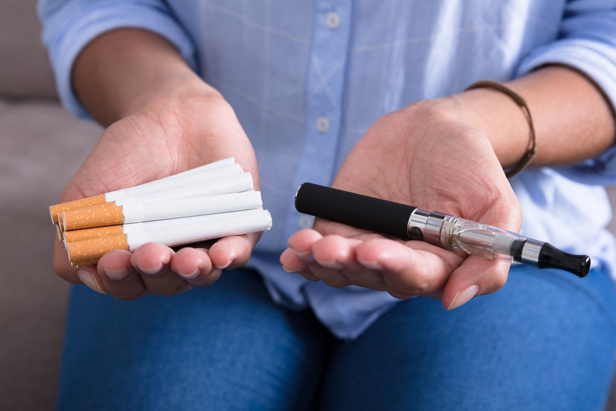 Il est difficile de quantifier précisément la toxicité à long terme de la cigarette électronique, celle-ci est à l'évidence infiniment moindre que celle de la cigarette traditionnelle.