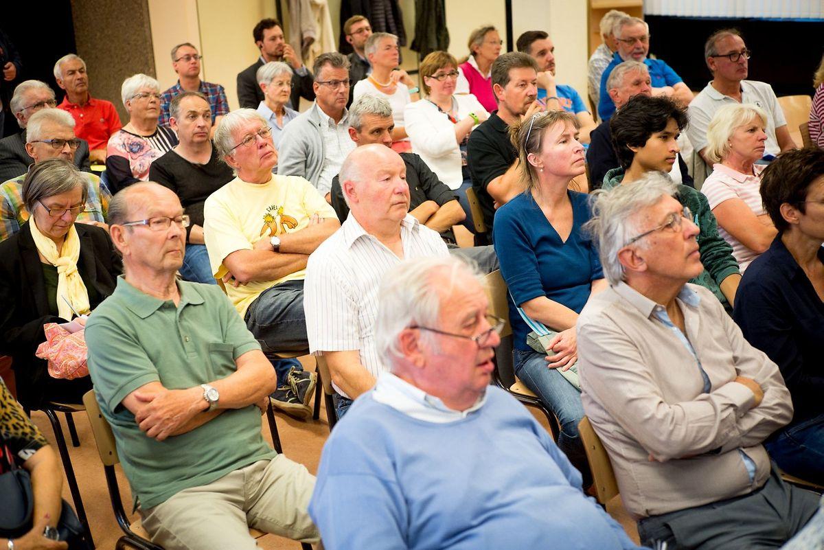 Mehr als 60 Personen waren zu der Diskussionsrunde in Cents gekommen.