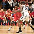 Jarmar Gulley (Musel Pikes l.) gegen Denell Stephens (T71 r.) / Basketball, Total League Maenner, T71 - Musel Pikes / 07.04.2018 / Duedelingen / Foto: Christian Kemp