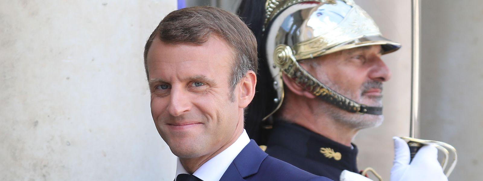 «Emmanuel Macron effectue sa rentrée politique, auréolé du panache généré par ses récentes actions et intercessions sur le plan international»