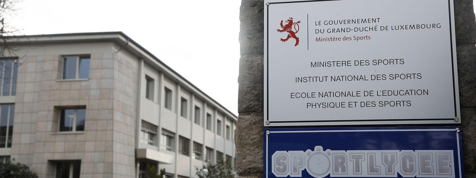 Das Sportministerium will die Zugangskriterien für wichtige Posten neu definieren. Das betrifft den Posten des Sportkommissars und die Leitung der nationalen Sportschule (ENEPS).