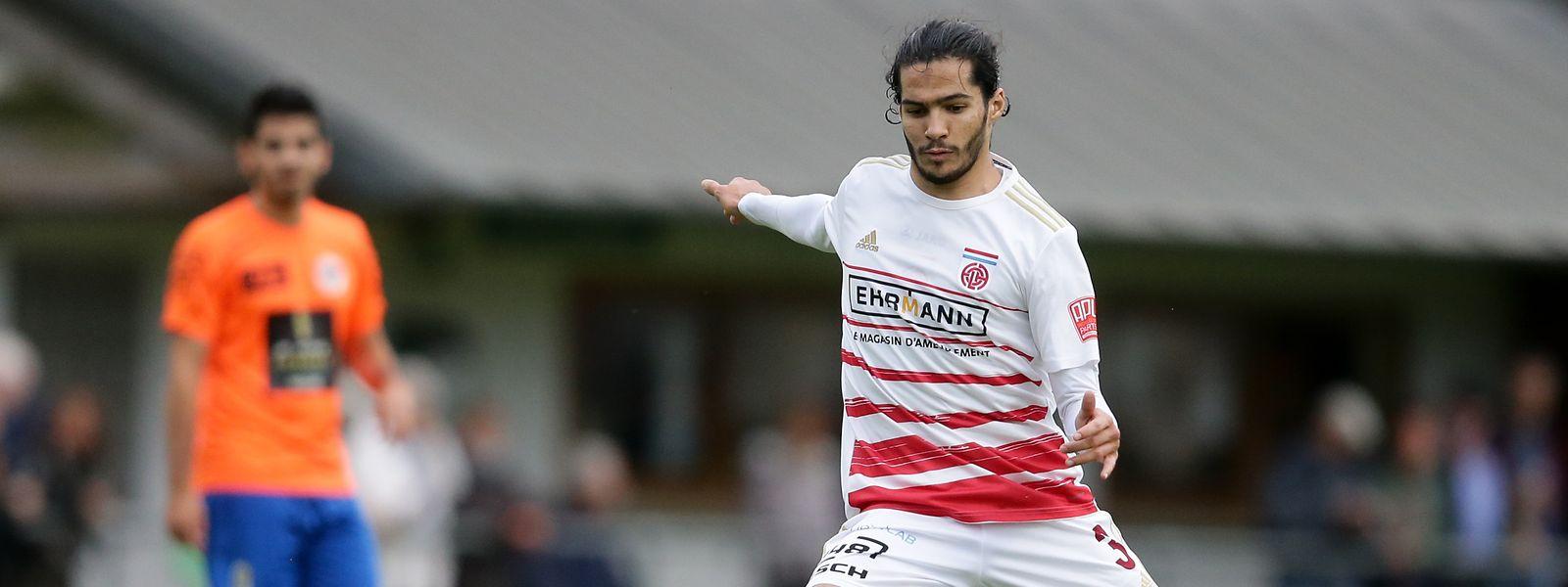 Diogo Pimentel joga atualmente pelo CS Fola Esch e pode estrear-se pela seleção luxemburgues este sábado.