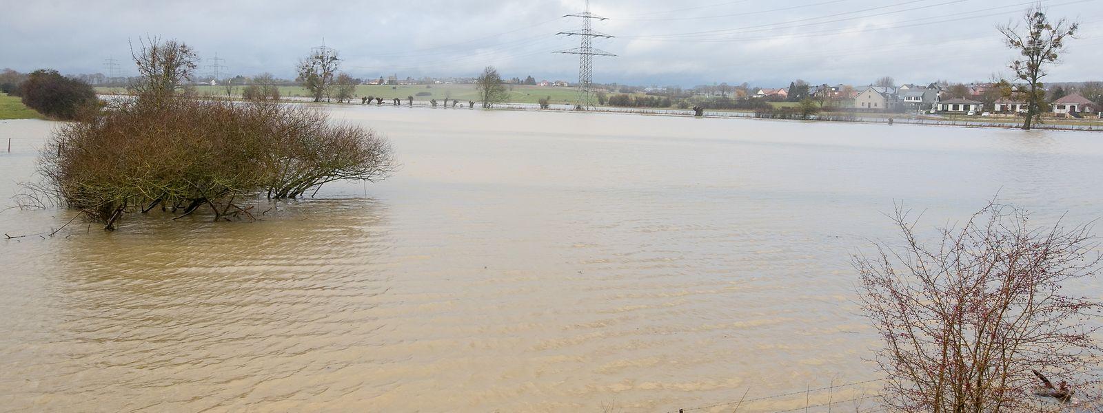 Starker Regen führte am Sonntag in Luxemburg zu lokalen Überschwemmungen, wie hier in Hüncheringen.