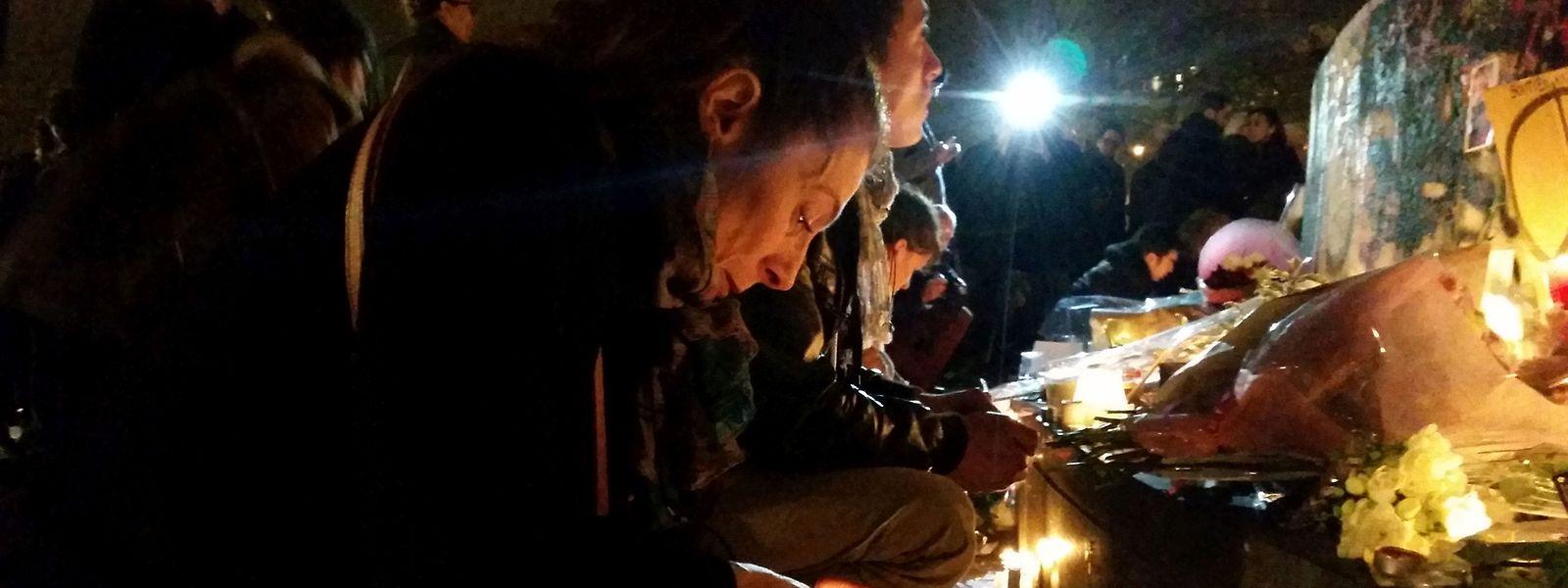 A la nuit tombée, Florence est enfin sortie de chez elle (tout près de deux lieux de fusillades) car à «République», elle «se sent au contact de l'Humanité bienveillante».