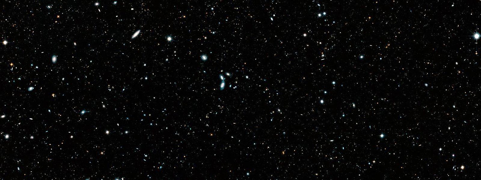 Was aussieht wie ein Sternenhimmel ist in Wirklichkeit eine Kombination aus rund 7500 Einzelaufnahmen des «Hubble»-Weltraumteleskops mit 265.000 Galaxien.