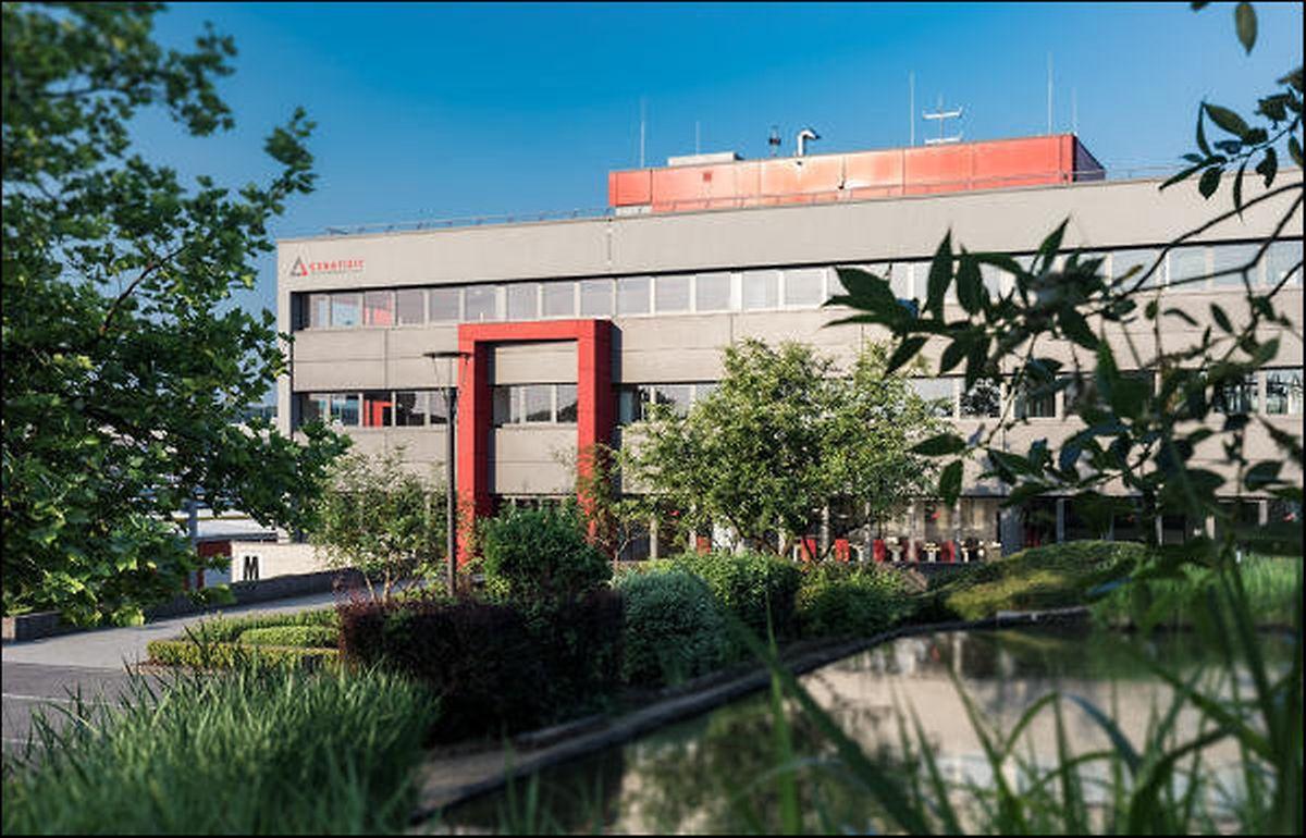 Das Unternehmen betreibt Standorte in Mamer, Niederkorn und Liwingen.