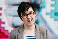 "A handout picture released by Jess Lowe Photography on April 19, 2019 and taken on May 19, 2017 shows journalist and author Lyra McKee posing for a photograph in Belfast. - Journalist Lyra McKee was shot dead overnight during riots in the Creggan area of Derry, Northern Ireland, in what police on April 19, 2019 were treating as a terrorist incident following the latest upsurge in violence to shake the troubled region. (Photo by Jess LOWE / JESS LOWE PHOTOGRAPHY / AFP) / RESTRICTED TO EDITORIAL USE - MANDATORY CREDIT ""AFP PHOTO / JESS LOWE PHOTOGRAPHY "" - NO MARKETING NO ADVERTISING CAMPAIGNS - DISTRIBUTED AS A SERVICE TO CLIENTS"
