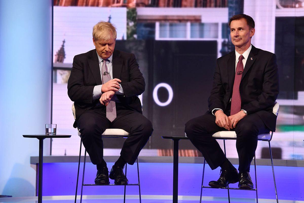 Boris Johnson (à gauche) et Jérémy Hunt lors du débat mardi soir.
