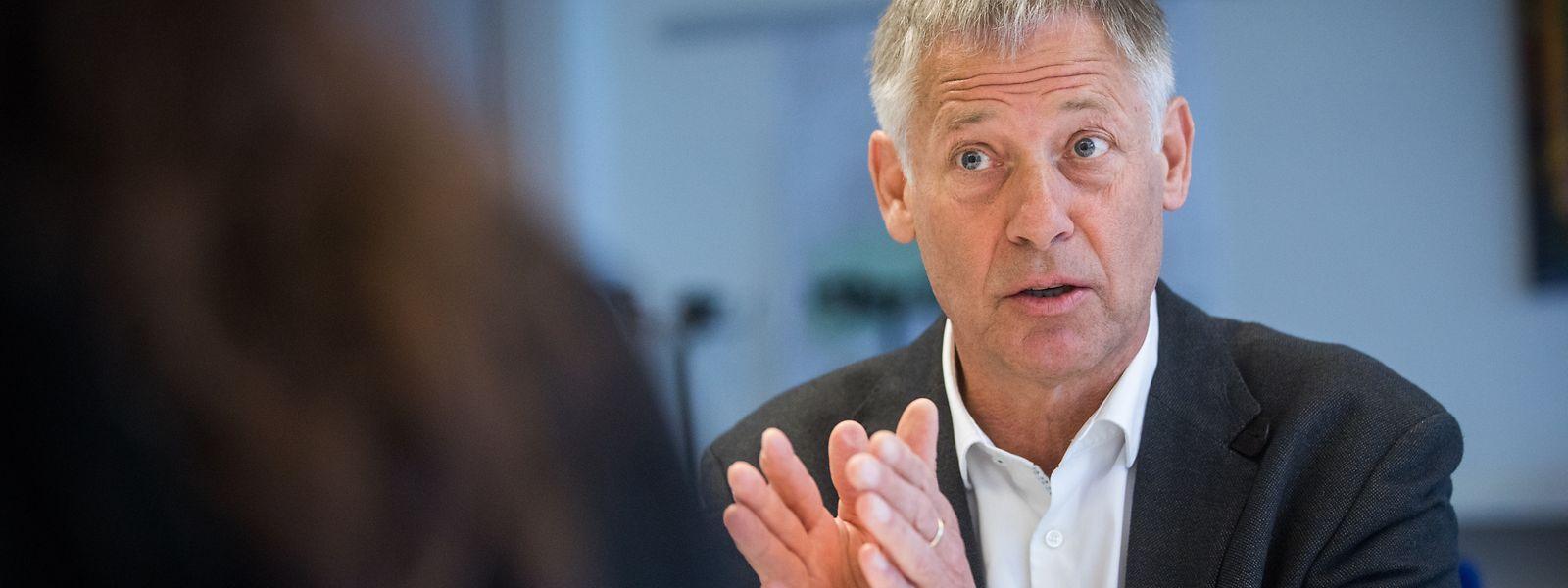 Wohnungsbauminister Henri Kox übernimmt das Ressort für Innere Sicherheit.