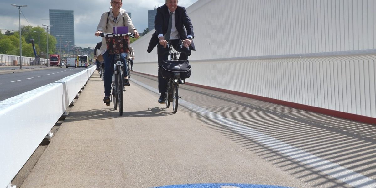 Ein Fahrradweg mit Ausblick verbindet die Stadtmitte mit dem Kirchbergplateau.