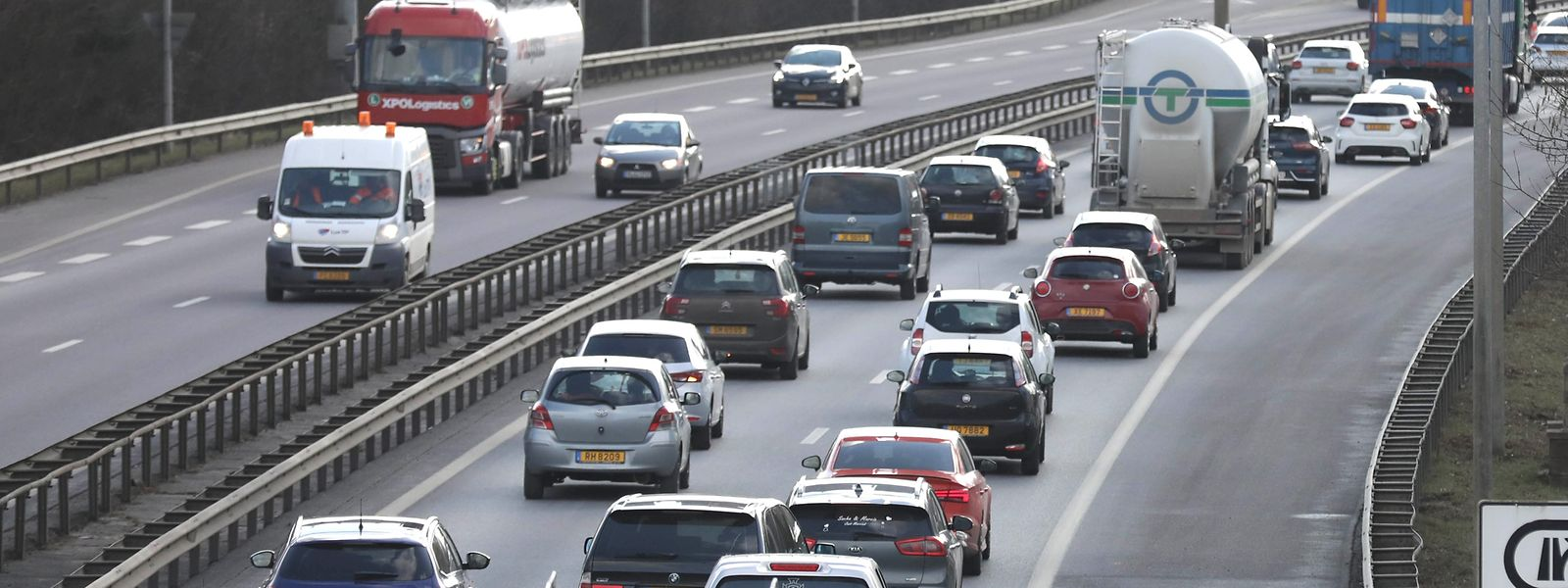 Den Löwenanteil an CO2 erzeugt der Straßenverkehr mit 5,28 Millionen Tonnen; bis 2030 soll dieses Volumen um 57 Prozent reduziert werden.