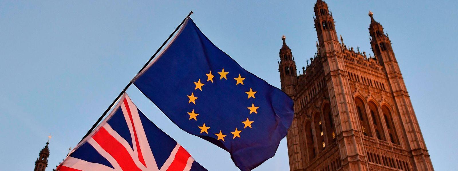 Über die künftigen Beziehungen zwischen Großbritannien und der EU könne erst verhandelt werden, wenn die Austrittsmodalitäten vereinbart seien.