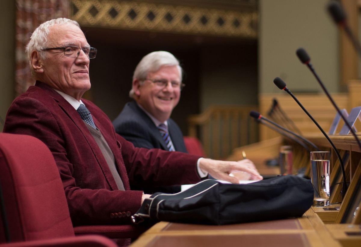 Joseph Schloesser (à gauche) et Henri Werner, lors du débat public: «Les langues sont faites pour rassembler pas pour séparer».