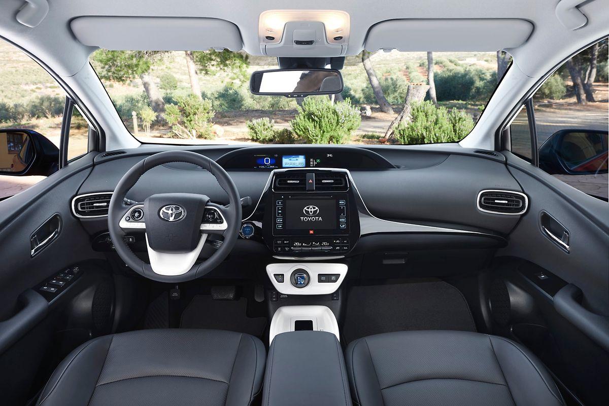 Die gesteigerte Qualitätsanmutung im Prius-Cockpit fällt sofort auf.