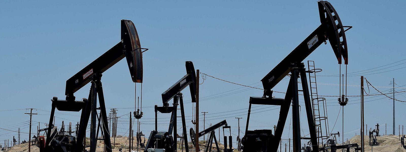 Die Preise fü Rohöl gaben am Montag deutlich nach.