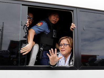 Leila De Lima will die Anschuldigungen gegen sie in einem Prozess ausräumen.