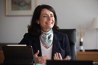 """Béatrice Belorgey: """"Mon ambition est que la banque soit plus facilement joignable."""""""