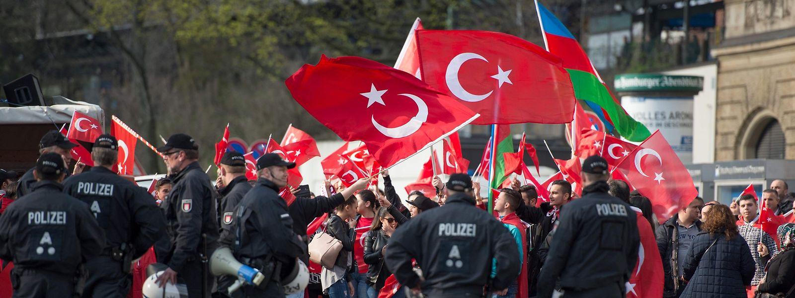Im April waren in Hamburg bereits Zehntausende Türken auf die Straße gegangen.