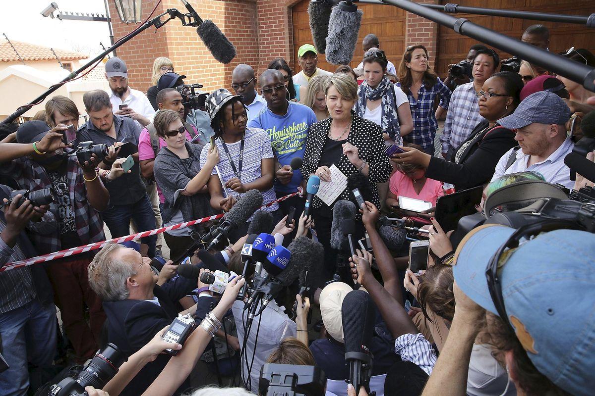 Anneliese Burgess, Sprecherin der Familie Steenkamp, am Tag von Pistorius` Haftentlassung.