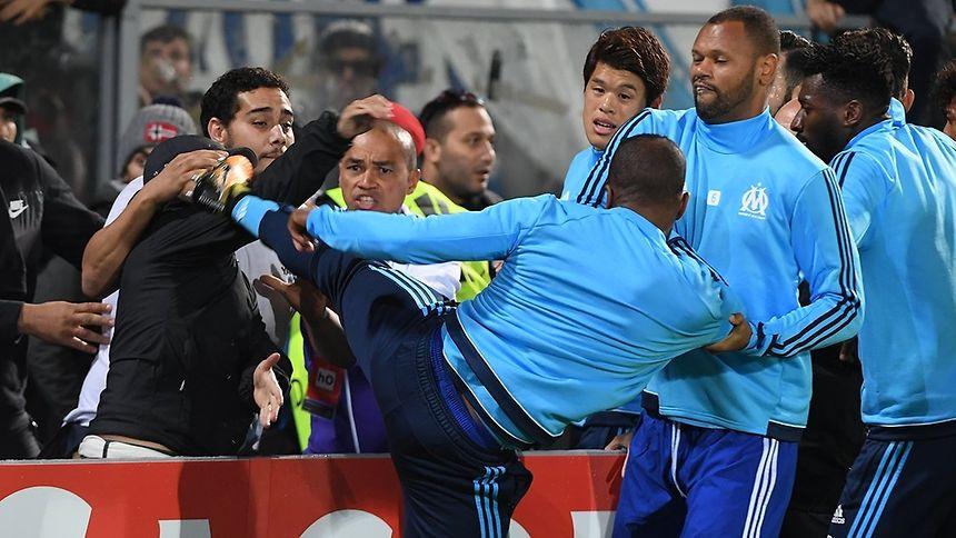 Evra fora do Marselha e suspenso do futebol europeu até 2018
