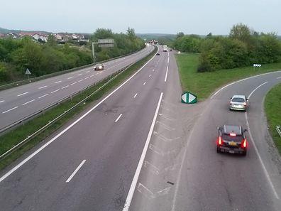 Les travaux se dérouleront entre 20h30 et 6 heures le lendemain. La circulation dans le sens Thionville-Luxembourg sera alors basculée sur le sens inverse de circulation et l'échangeur de Kanfen restera fermé.