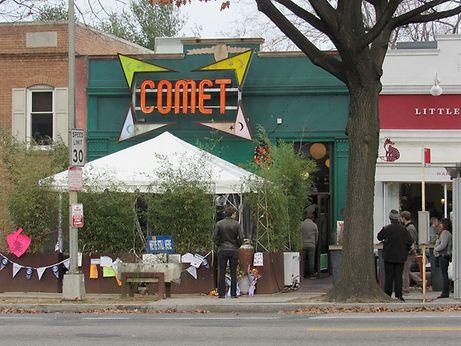 """Laut der """"Pizzagate""""-Verschwörungstheorie soll in der Pizzeria """"Comet Ping Pong"""" in Washington ein Pädophilen-Ring ansässig gewesen sein."""