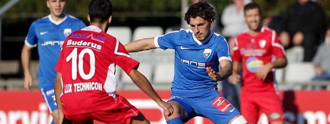 François Augusto (en bleu, du temps de son passage à Etzella) renforcera le secteur offensif de l'Atert Bissen la saison prochaine