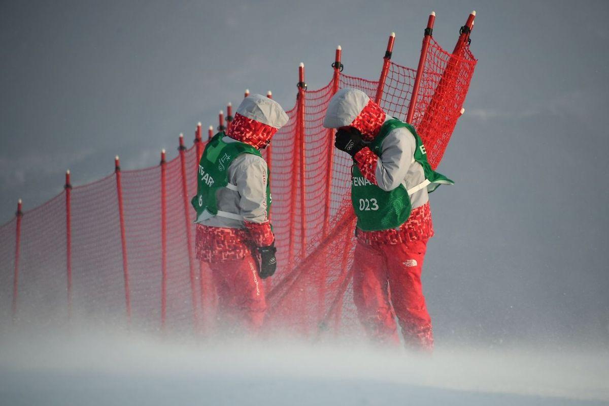 Les rafales de vent ont eu raison du slalom dames programmé ce mercredi.