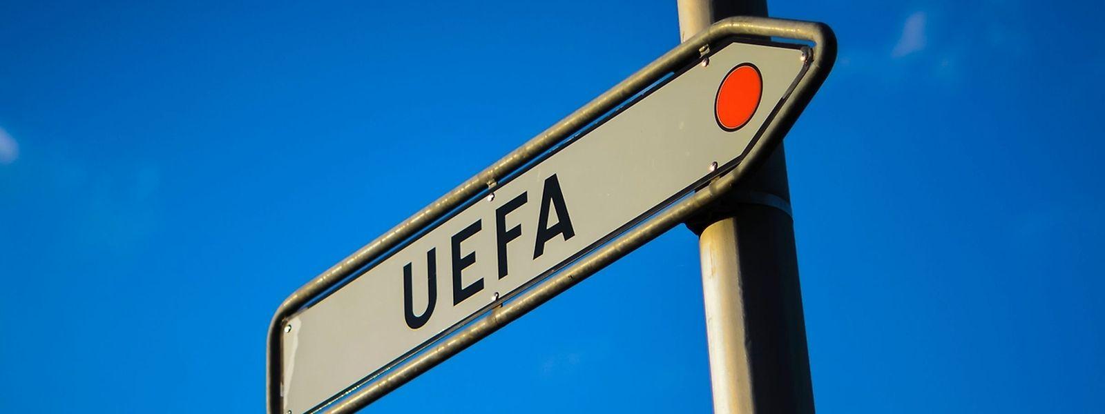 Die UEFA hat ihren Sitz im schweizerischen Nyon.