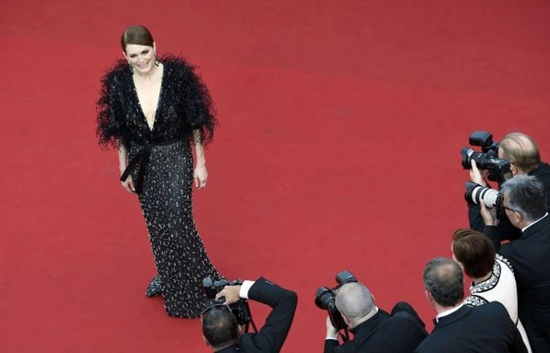 Viele weibliche Stars zeigten am Mittwoch bei der Eröffnung des Filmfestivals von Cannes freies Dekolleté, wie Julianne Moore...