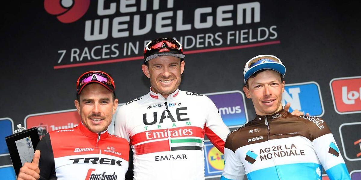 Le podium 2019 de Gand-Wevelgem: John Degenkolb et Oliver Naesen entourent le lauréat Alexander Kristoff