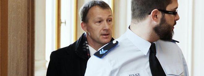Ex-Geheimdienstchef Marco Mille ... und plötzlich ticken die Uhren anders.
