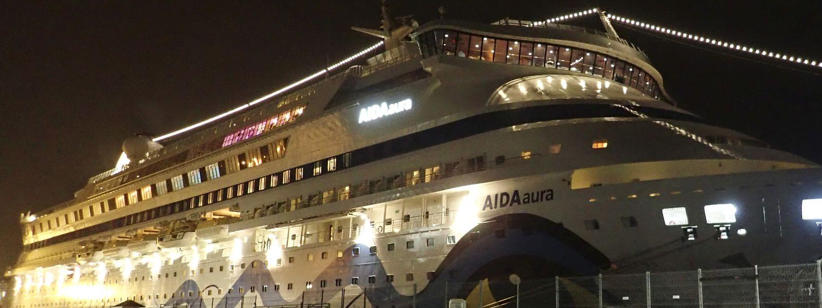 """Das Kreuzfahrtschiff """"Aida Aura"""" lag am Dienstag vorübergehend in Norwegen fest. Grund war ein Corona-Verdachtsfall."""
