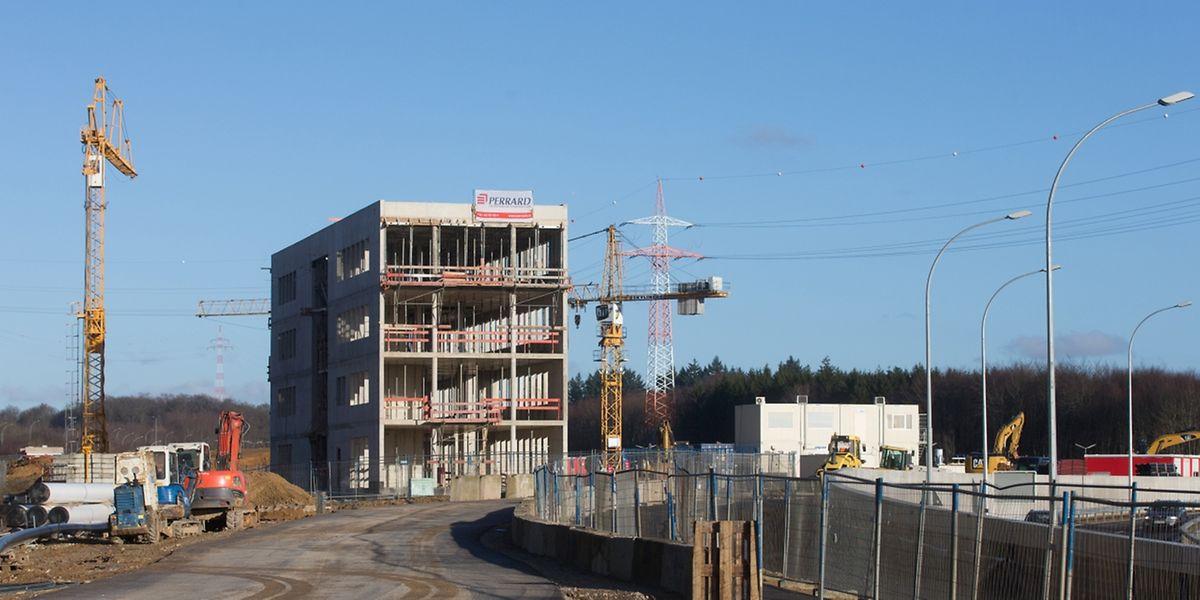"""Insgesamt setzt sich das """"Centre de remisage et de maintenance"""" aus drei Gebäuden zusammen. In diesem hier wird Luxtram ihren neuen Firmensitz einrichten."""
