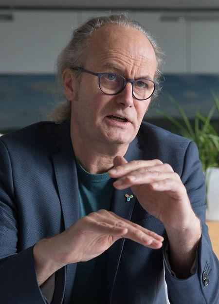 Claude Turmes explique clairement que le gouvernement luxembourgeois fera tout pour que la durée de vie des réacteurs de Cattenom ne soit pas prolongée.